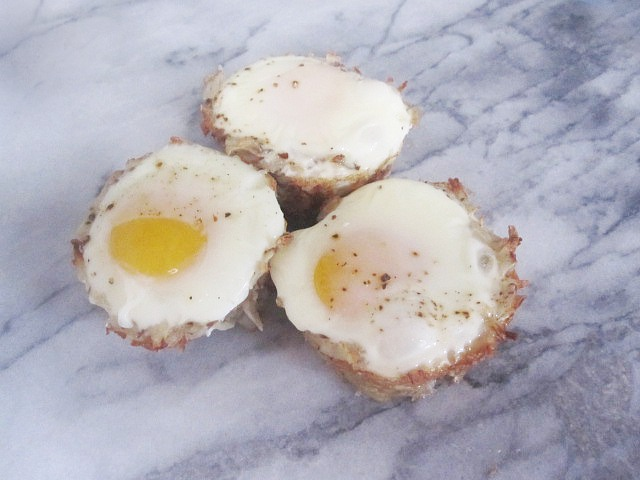This recipe for Hash Brown Egg Muffins is a fun way to eat eggs and hash brown potatoes.